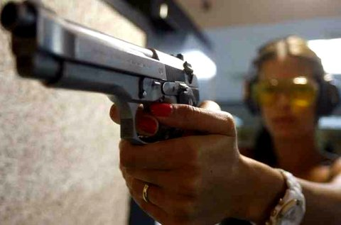 50 lövés 10 féle 9 mm-es fegyverrelRáckevén