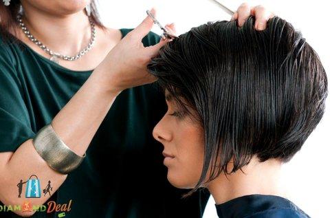Női hajvágás mosással, vállig érő hajra