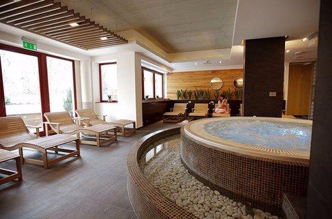 Wellness pihenés Sárváron fürdőbelépővel
