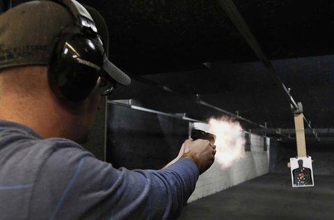60 lövés 3 különböző fegyverrel