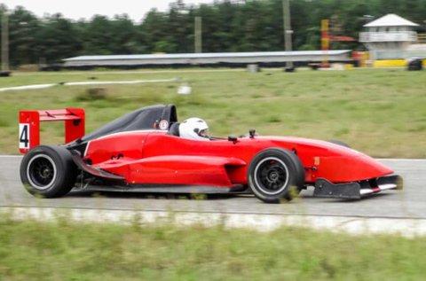 8 körös Formula Renault 2.0 autóvezetés