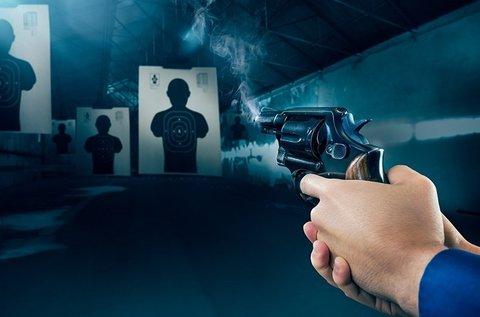 Pisztoly- és puskalövészet 56 lövéssel, 5 fegyverrel