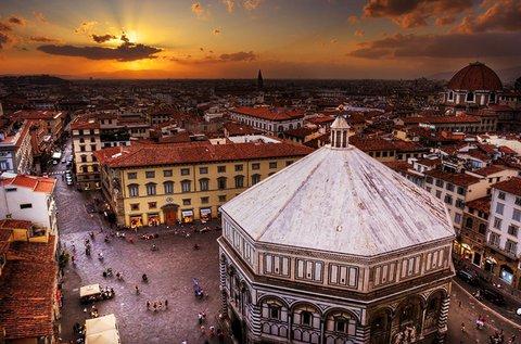Romantikus városnézés Firenzében repülővel