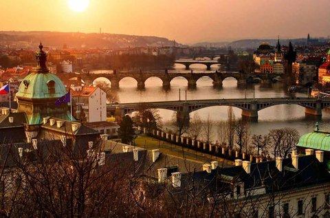 Buszos utazás Prágába sörgyárlátogatással