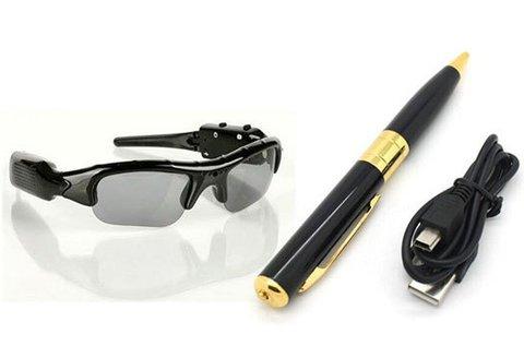 Tollba vagy szemüvegbe rejtett kamera