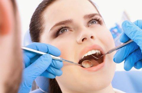 Lézeres fogínykezelés teljes alsó-felső fogsoron