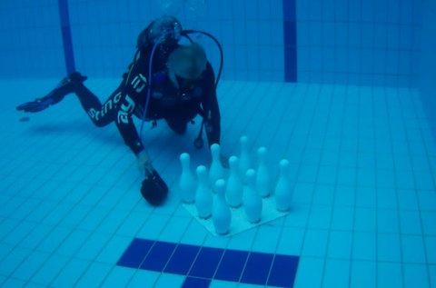 Páros víz alatti bowling az Aquaworldben