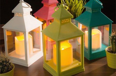 Lámpás LED gyertyával, több színben