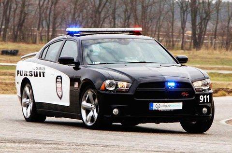 2 körös Dodge Charger RT izomautó vezetés