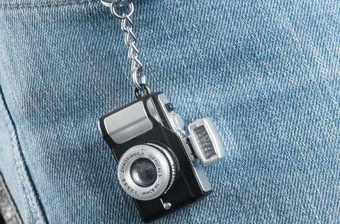 Gadget and Gifts fényképező kulcstartó