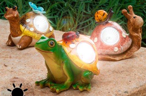 Napelemes csiga vagy teknősbéka kerti figura