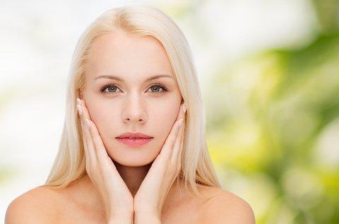 Tisztító, hidratáló arckezelés natúr kozmetikumokkal
