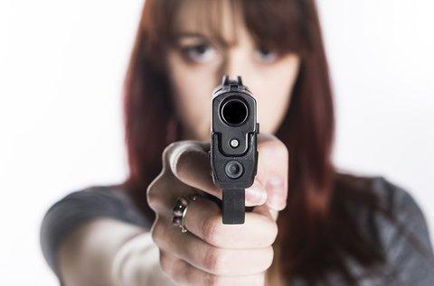 45 lövés 3 különböző fegyverrel