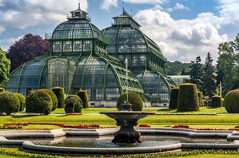 Buszos utazás Bécsbe, a Schönbrunni kastélyhoz