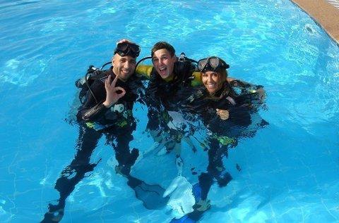 Védett vízi próbamerülés az Aquaworld Resortban