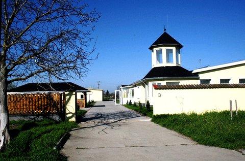 Töltsétek május 1-jét a Holt-Tiszánál, Tiszaugon!