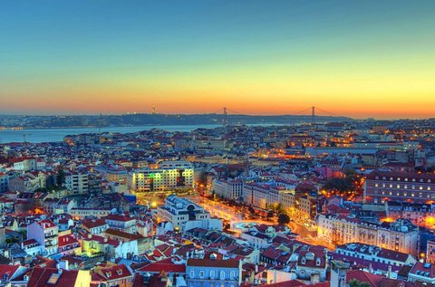 4 napos kikapcsolódás Lisszabonban repülővel