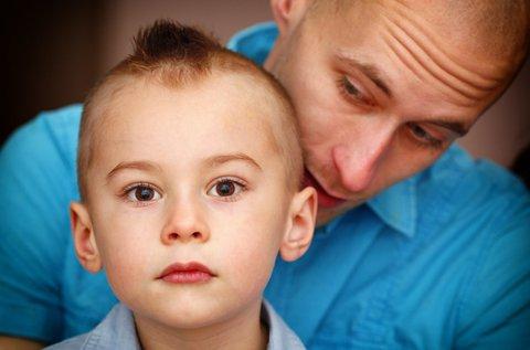 Apa-fia hajvágás mosással, vágással, masszázzsal