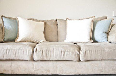 3 személyes kanapé tisztítása atkamentesítéssel