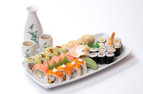 20 db-os sushi válogatás1 csésze miso levessel