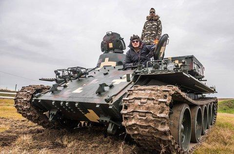 VT-55-ös valódi tank vezetése 20 percen át
