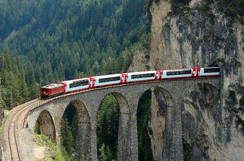 Buszos út 1 főnek vonatozással Ausztriában