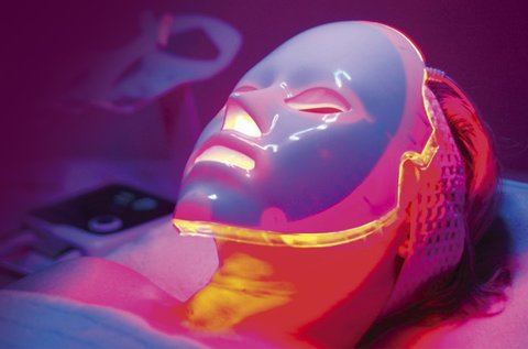 Bőrmegújítás LED maszkkal