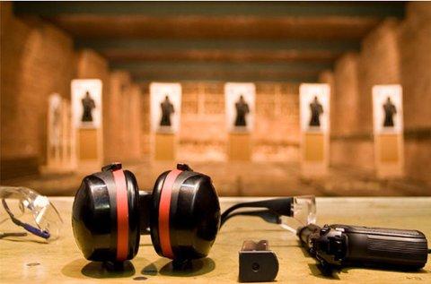 85 lövés 3 különböző fegyverrel