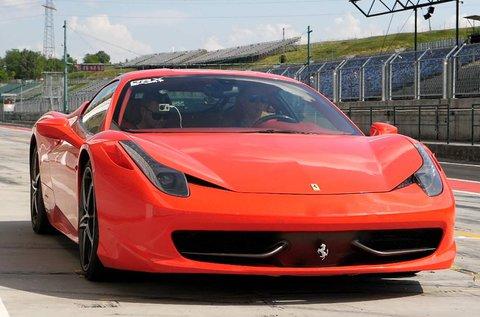 Vezess egy Ferrari F430 F1 sportautót!