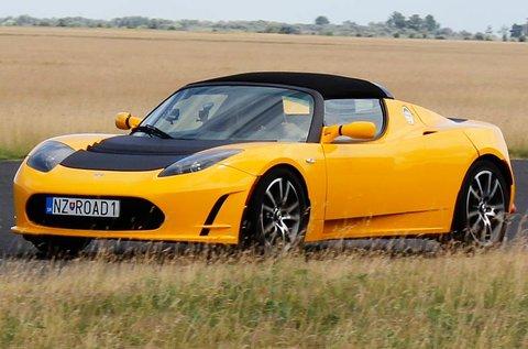 Száguldj egy Tesla Roadster Elektromos autóval!