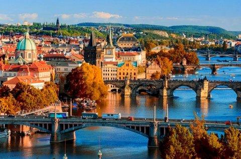 Pünkösdi vagy október 23-i kirándulás Prágában