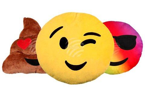 Extra puha tapintású emoji díszpárna