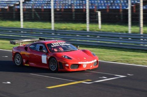 Vezess Ferrari F430-at és Formula Renault-t!