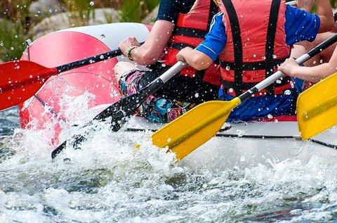Raftingolás a szlovéniai Soca-folyón