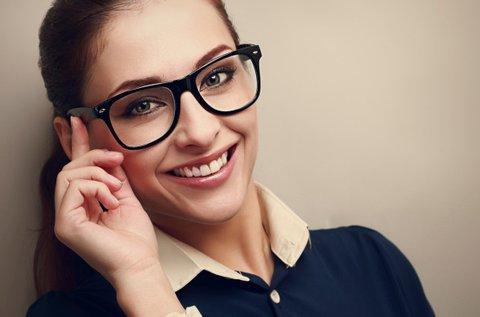 Fényre sötétedő dioptriás szemüveg