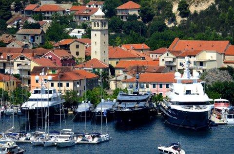 Buszos utazás Vodicébe és a Krka Nemzeti Parkba