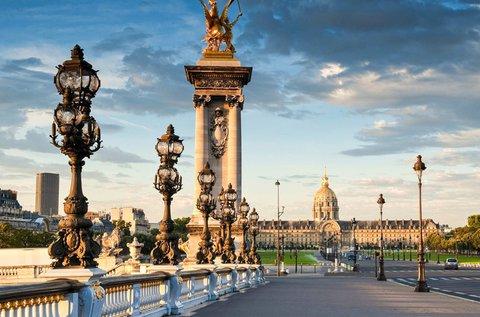 Séta Párizsban, a romantika és a fények városában