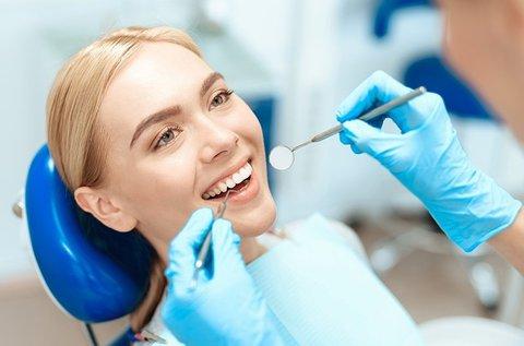 Komplett fogászati és szájhigiénés kezelés