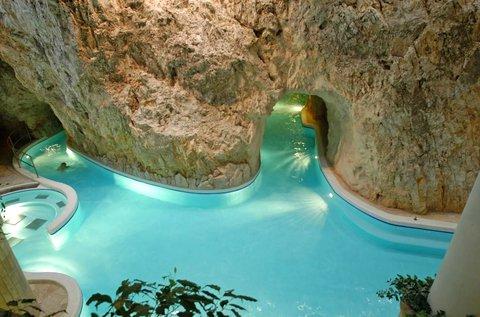 Miskolci főszezoni pihenés Barlangfürdő belépővel