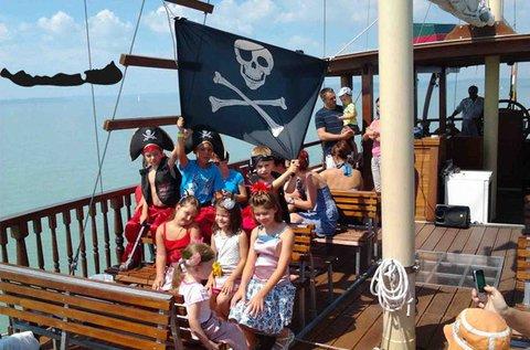 Választható hajós program a Balatonon 1 főre