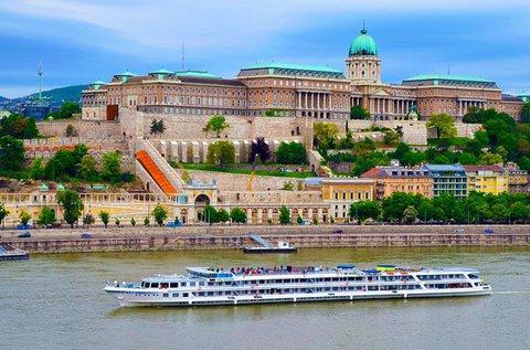 Dunai hajókázás 250 fős kirándulóhajóval
