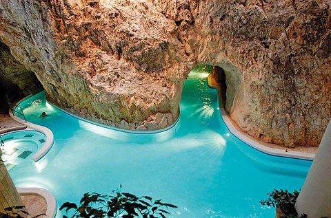Pihenés Miskolctapolcán Barlangfürdő belépővel