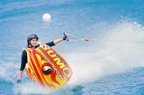 Szumó fánkozás strandbelépővel