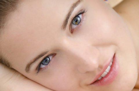 Arctisztítással egybekötött vitaminos arcmasszázs