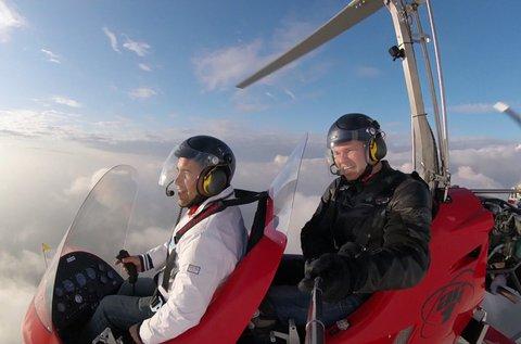 15 perces repülés girokopterrel, oktatással