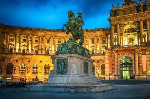 Októberi kirándulás Bécsbe Hofburg látogatással