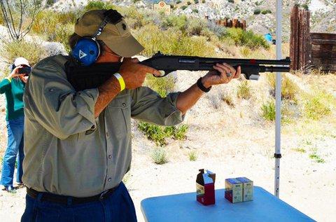 Élménylövészet 60 lövéssel, 4 kis kaliberű fegyverrel