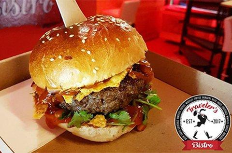Társasjátékozás + 1 db klasszik hamburger menü