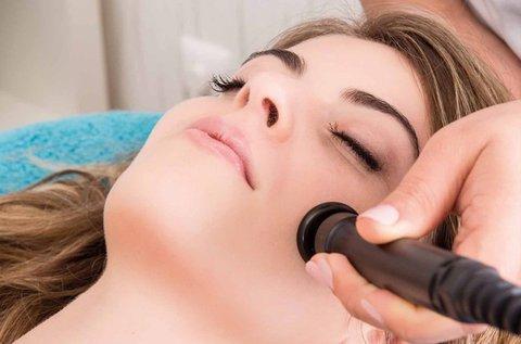 Ráncfeltöltő ultrahangos kezelés