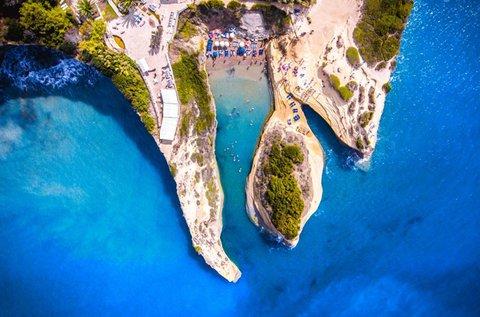 Vakáció a varázslatos Korfu partjainál buszos úttal